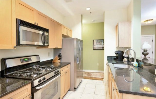 FANTASTIC TOP FLOOR, END UNIT 2 BEDROOM CONDO AT STONEWOOD! U2013 NEWER  CONSTRUCTION U2013 GRANITE KITCHEN WITH STAINLESS STEEL APPLIANCES U2013 MASTER  SUITE WITH BATH ...
